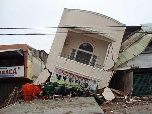 Earthquake damage Jose Mier Sun Valley